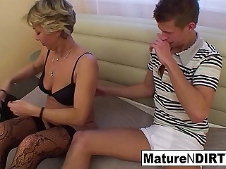 Wrongly gilded granny gets some lustful assistance